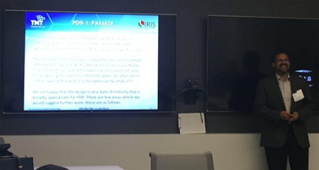 "PDR-1を無事に通過したことを報告する Niranjan Thatte 審査員長(オックスフォード大学教授で、E-ELTの第一期観測装置 HARMONIの開発責任者でもある)。今回 審査員から指摘された課題・問題点を解決してPDR-2を合格すると、次の詳細設計期に入ります。 国立天文台IRIS開発チームについては、<a href=""http://www.nao.ac.jp/contents/naoj-news/data/nao_news_0265.pdf"">国立天文台ニュース2015年8月号</a>でも紹介されていますのでぜひご覧ください。"